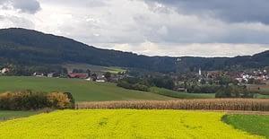 Kirchahorn mit der Klauskirche im Hintergrund