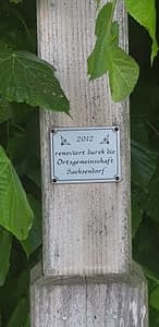 Tafel an Feldkreuz