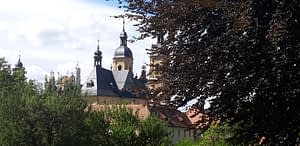 Basilika und Burg